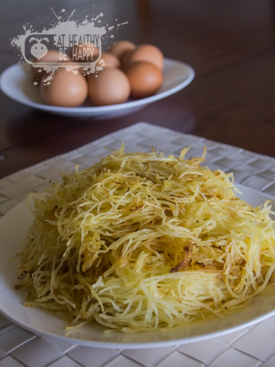 spaghetti squash and eggs | eat healthy be happy